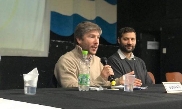 Bonifatti paricipó de un debate en el Colegio Jesús Obrero
